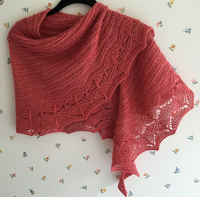 Ravelry: marynvoigt's Cave Point Shawl knit in HiKoo's Rylie. Pattern: Cave Point by Paula Emons-Fuessle