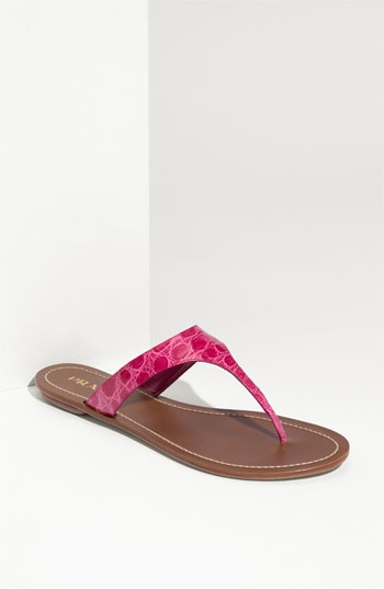 If I had $700 to put on these crocodile Prada  flip-flops - these would definitely be on my feet!!!!