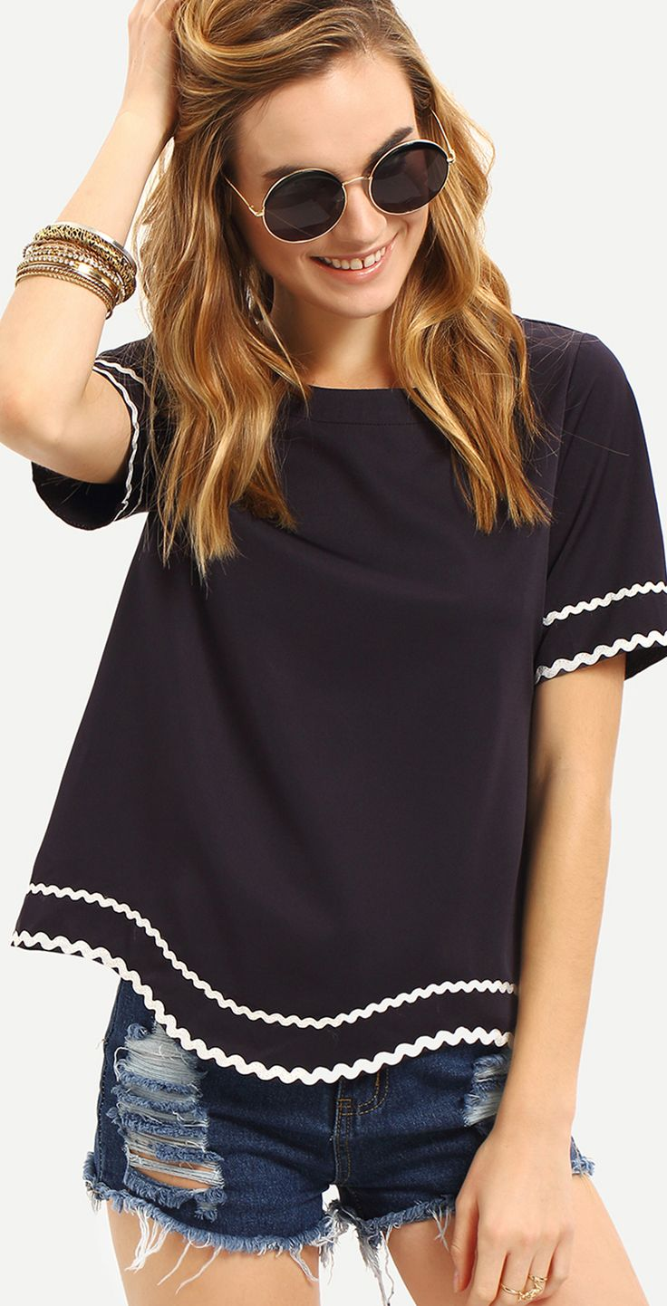 Navy Waved Print Trim Short Sleeve T-shirt. Our delicate new urban design shirt for you. Will you be our first one to give your comment? By shein.com.