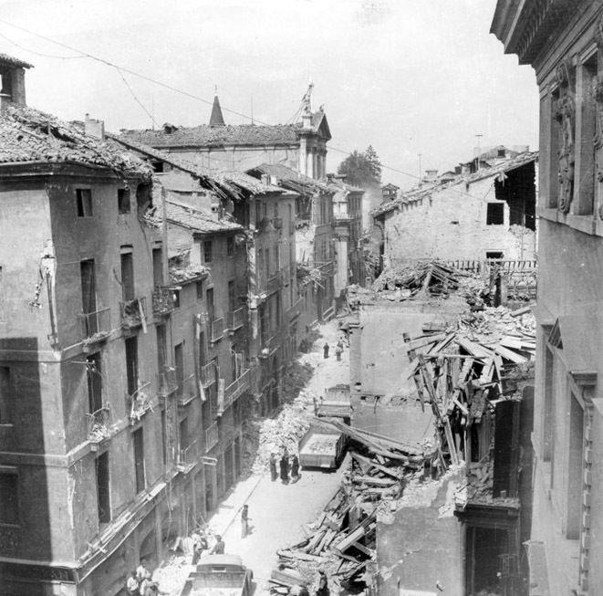 Ristampa, aggiornata e ampliata, per il libro che riassume la rievocazione storica degli anni tra il '40 e il '45 quando Vicenza venne investita da devastanti bombardamenti