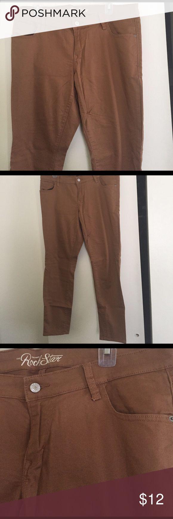 Old Navy Rockstar light brown skinny jeans 👖 Size 16 light brown/tan Old Navy Rockstar skinny jeans. Regular length worn once. Old Navy Pants Skinny