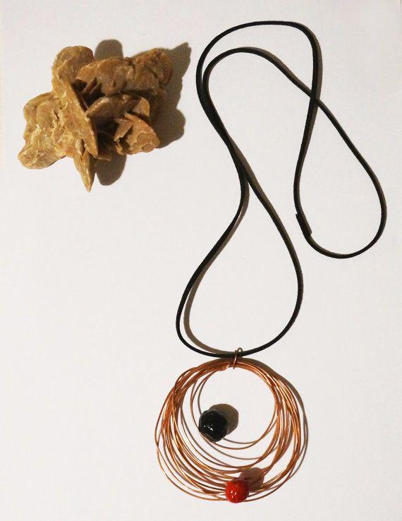 Lang hanger koperen draad en papier mache kralen, zwarte faux suede riem, etnische-stijl dansen 3