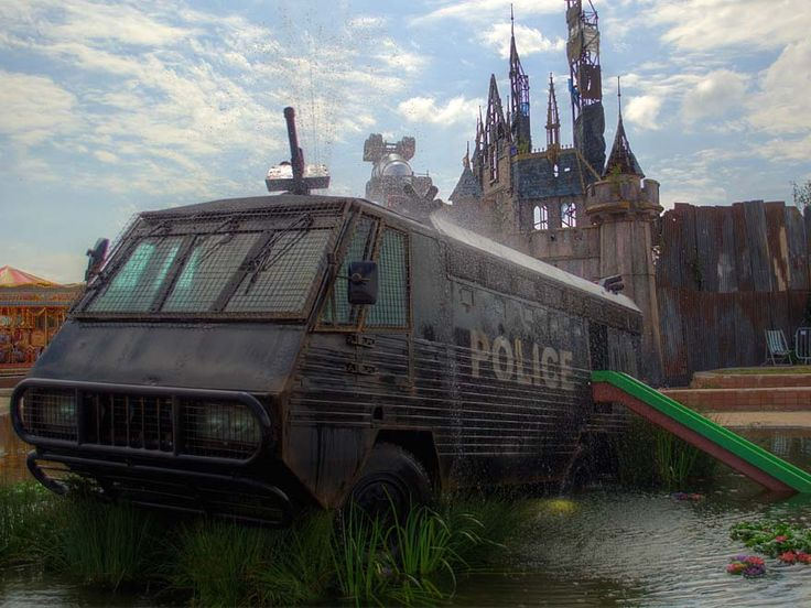 This post contains descriptions of Dismaland that are better left to your untarnished initial experience. Leave if you don't want the experience explained to you. Getting there is easy enough. From London, you can catch a train to Bristol, and then onward to Weston Super Mare. The home of the 5 week Banksy and Friends...