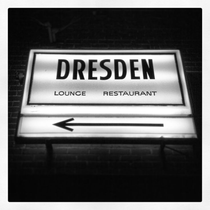 The Dresden Room a retro bar with an authentic retro vibe, supper club and piano lounge in one. In Los Feliz, Los Angeles.