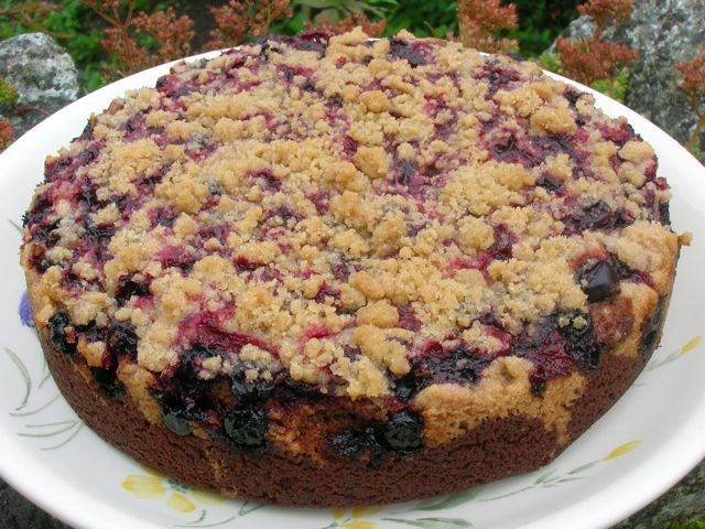 Blackcurrant Buckle is one of the cakes I grew up with, but I haven't made it for many many years and indeed I don't even know where the recipe is