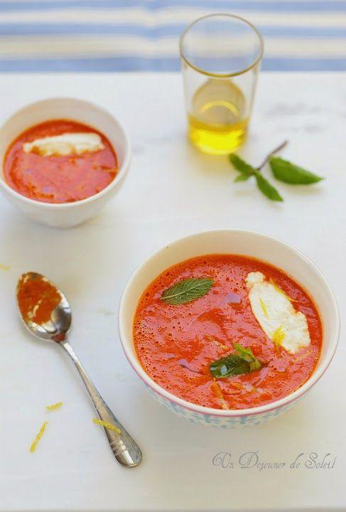 Soupe froide de poivrons et tomates quenelles de ricotta au citron
