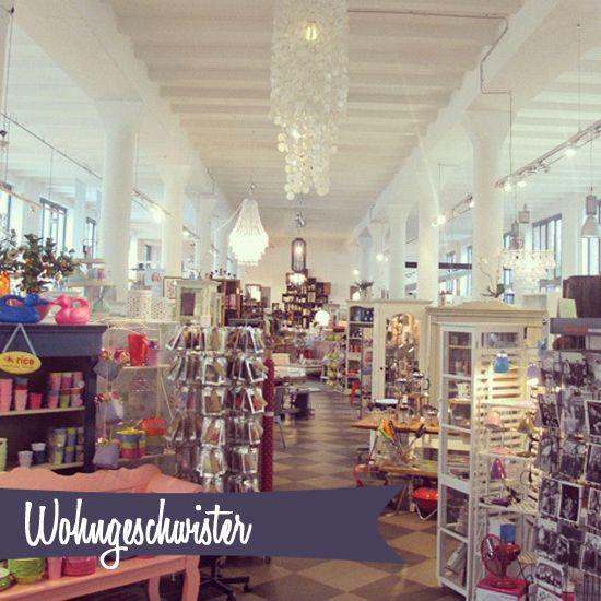 """Für alle, die bereits am Freitag nach Hamburg kommen oder am Montag noch ein paar Stündchen in unserer """"schönsten Stadt der Welt"""" verbringen wollen, haben wir hier einige schöne Cafés und Läden zusammen gestellt! Tipps für Bus, U- und S-Bahn Ladet Euch einfach die..."""