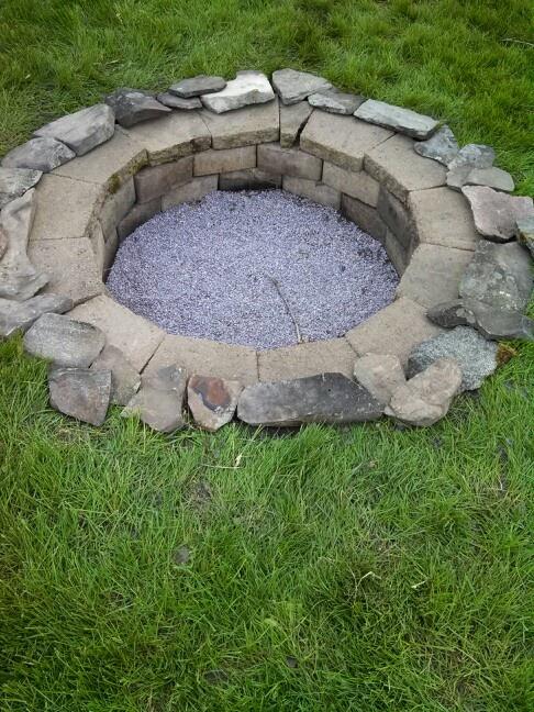 Bonfire pit!!! Bring on summer!