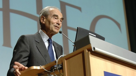 2006 - Robert Badinter defends the universal abolition of the death penalty in front of HEC students