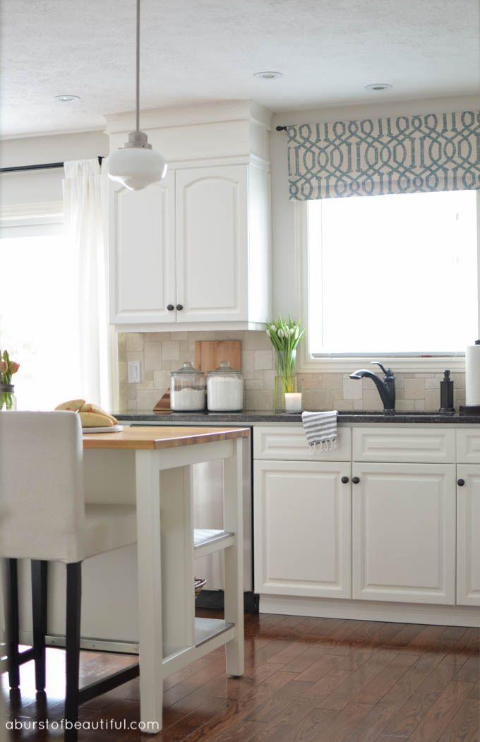 Best 20 kitchen valances ideas on pinterest kitchen for Modern kitchen valance ideas