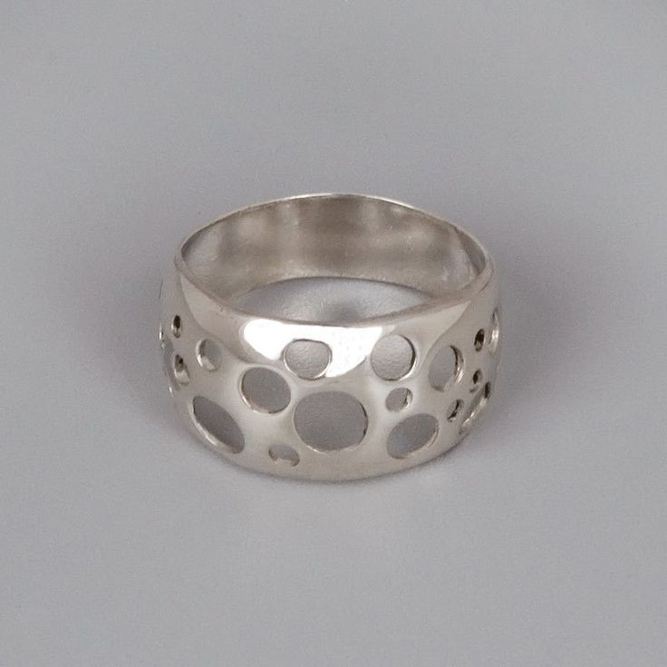 gorgeous silver dispaly - stunning silver jewlery - Fashion Jot- Latest Trends of Fashion