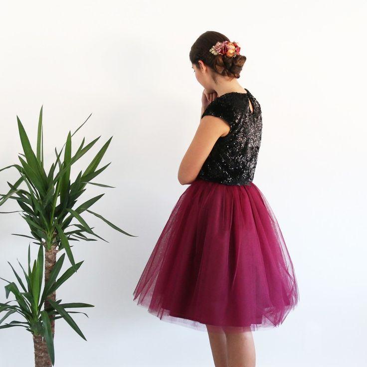 Falda de tul tipo Carrie en color granate hecha a medida y confeccionad a mano en Galicia