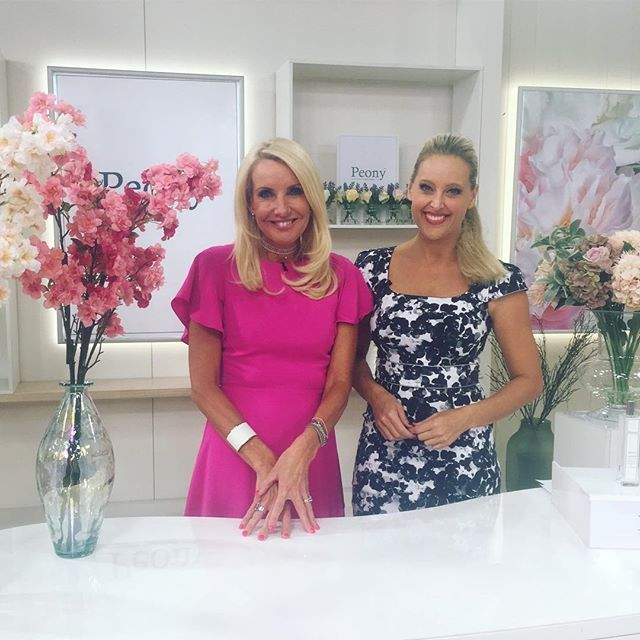 The studio is in bloom with Peony Floral Affair.  Did you know they are the only manufacturer of faux flowers recognised by the Royal Horticultural Society for their floral excellence?  Tune in now with Ali and Julie. #tvsn #tvshopping #peony #peonyflower