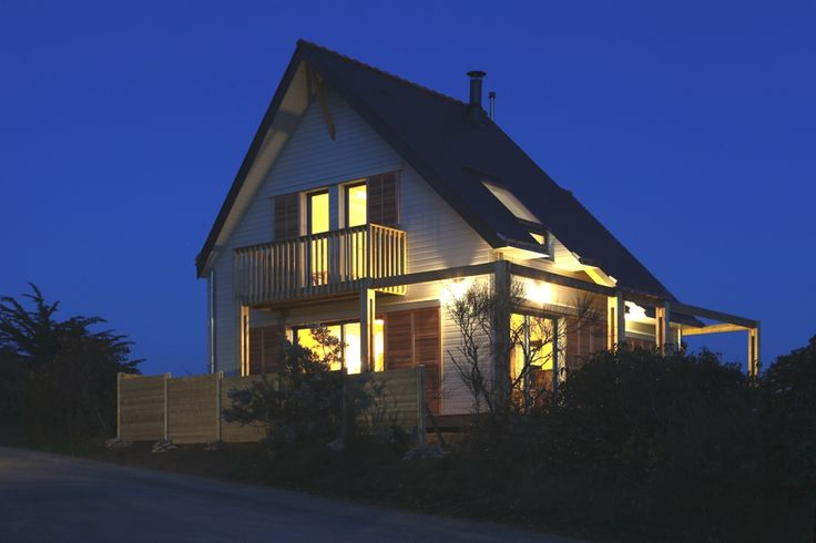 A Bio-climatic house in the Gulf of Morbihan, France - http://www.adelto.co.uk/a-bioclimatc-house-in-the-gulf-of-morbihan-france