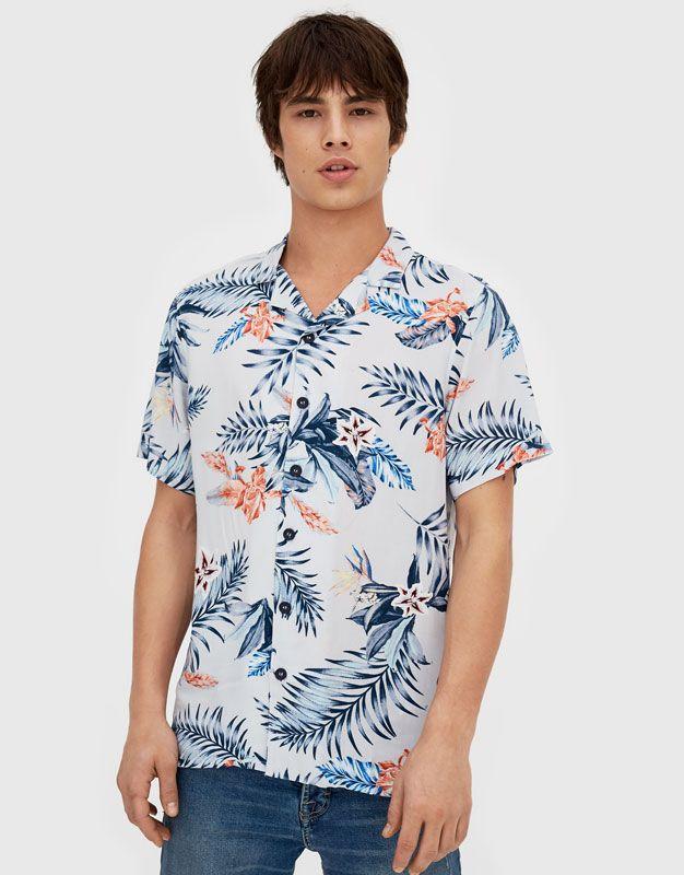 f7032a892b Camisa manga corta estampado flores - Estampadas - Camisas - Ropa - Hombre  - PULL BEAR Colombia