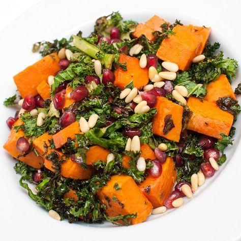 Herlig salat med utrolig mye god smak og god næring. Grønnkål og søtpotet er en uslåelig kombinasjon. Næringsrike begge to,...