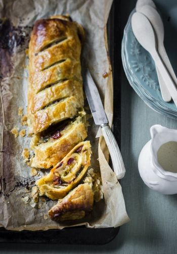 Moroccan Apple and Fig Roll