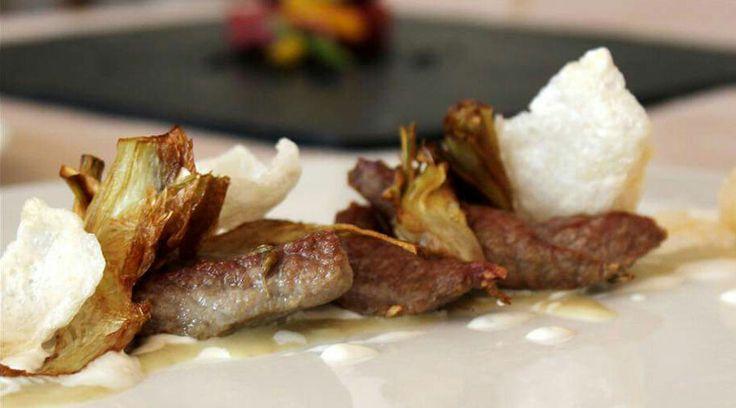 La carne dei pastori nobilitata in ricetta. http://www.ditestaedigola.com/musciska-di-vitello-carciofi-e-chips-di-caciocavallo-podolico-la-ricetta/