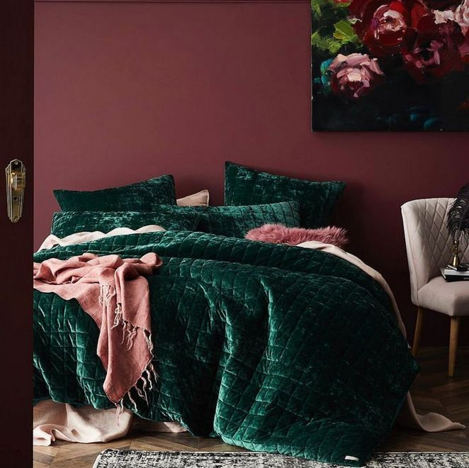 Why not opt for a makeover involving the color green? 36+What Does Emerald Green Bedroom Mean 19 - inspiredeccor