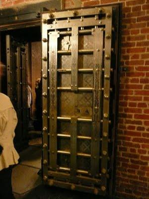 29 Best Images About Bank Vault Doors On Pinterest