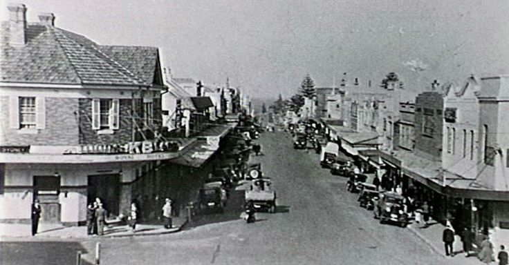 Crown St,Wollongong in the southern coast of New South Wales in the 1940s.