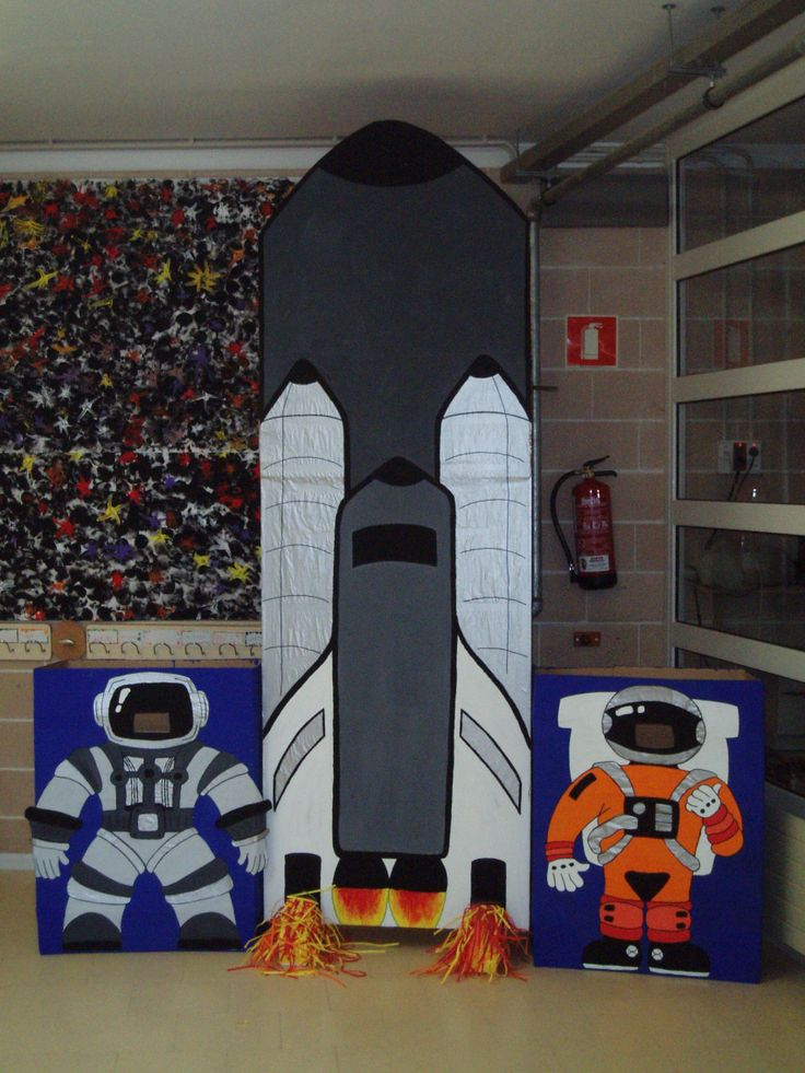 Coet i astronautes (Tallers d'infantil: Escola Lacustària, Llagostera)