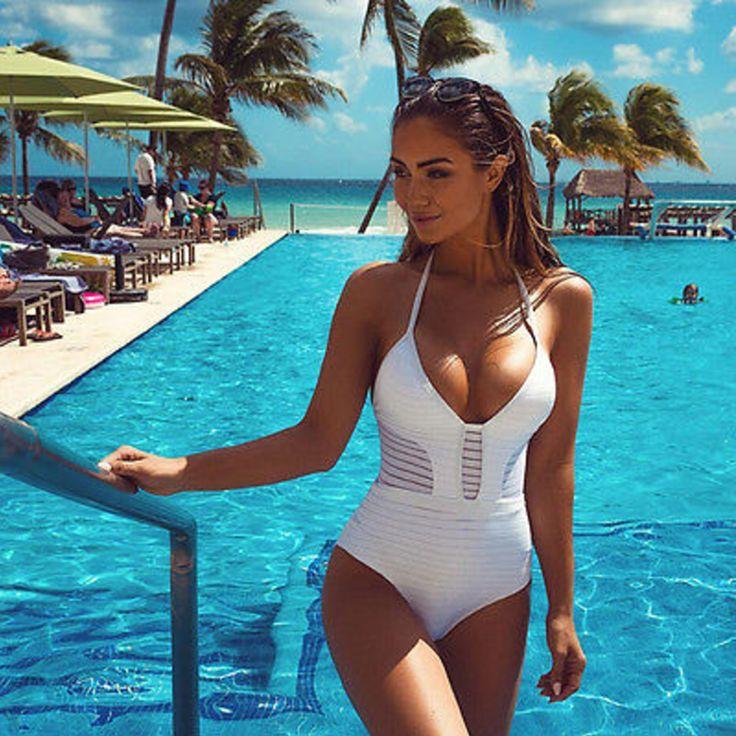 Dámské plavky bílé – L Na tento produkt se vztahuje nejen zajímavá sleva, ale také poštovné zdarma! Využij této výhodné nabídky a ušetři na poštovném, stejně jako to udělalo již velké množství spokojených zákazníků před …