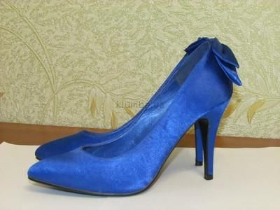 Купить синие атласные туфли