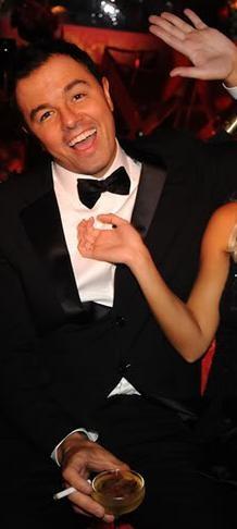 Love him! Seth MacFarlane. (Ignore anonymous skank's hand...)