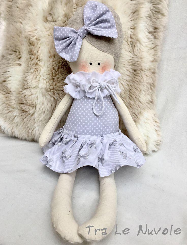 Un preferito personale dal mio negozio Etsy https://www.etsy.com/it/listing/513573424/bambola-di-stoffa-soft-doll