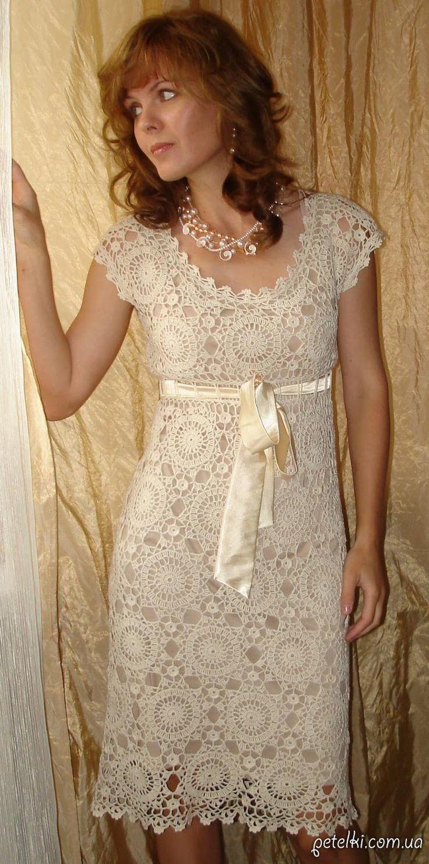 Шикарное платье круглыми мотивами крючком. Схемы, описание http://perchica.ru/post330935740/?upd
