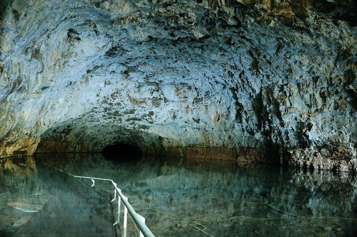 Walkway in cave Bulleringa National park Queensland Australia