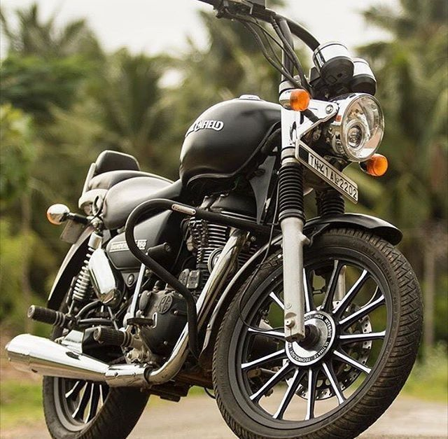 Royal Enfield Thunderbird 350cc Black Color In 2020 Enfield