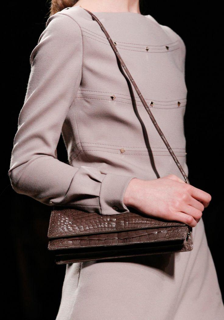 Valentino Fall 2011Valentino Fall, Fw2011 Bags, F2011Rtw Fashion, Fashion Classic, 04 Fashion, Fashion Show, Fashion Gorgeous, Fashion Runway, 2011 Rtw