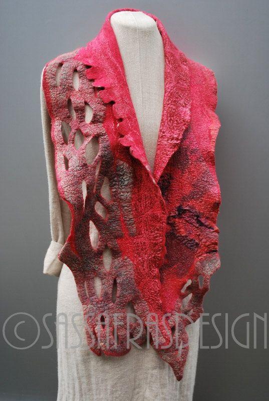 Rose écharpe art feutrée à la main, accessoire de style bohème OOAK, crémaillère fait à la main artistique de la mode féminine, châle de laine mérinos sculpturale