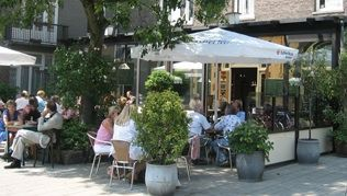 Best Steak in Amsterdam: Cafe Loetje - Amsterdam's old-time favourite (pictured) from life in amsterdam blog.