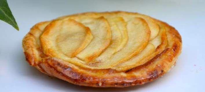 Λεπτή τάρτα μήλου με κανέλα