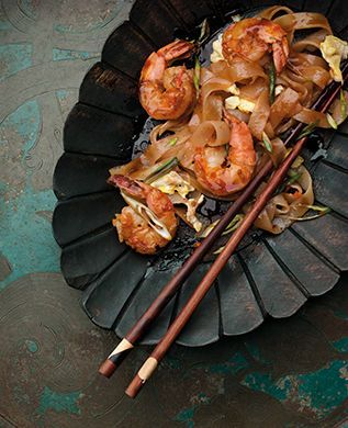 malaysian prawn and rice noodle stir fry