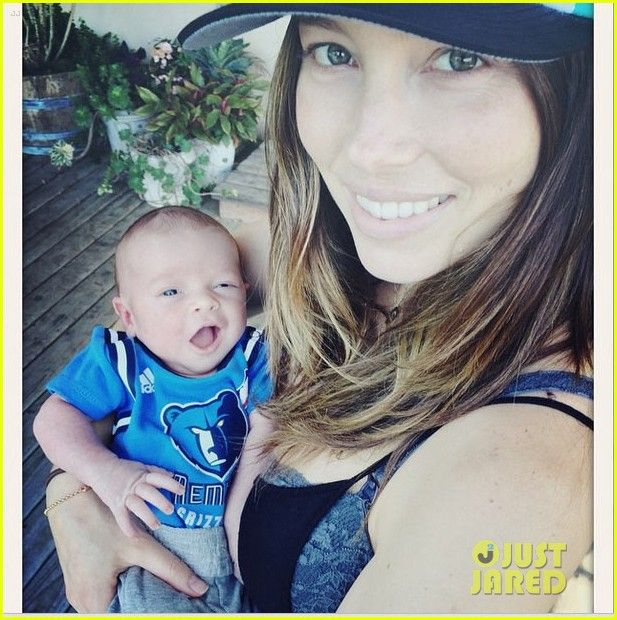 justin timberlake jessica biel debut baby silas first photo 02 Jessica Biel holds her newborn baby Silas in this adorable photo shared to Instagram by her husband Justin Timberlake.
