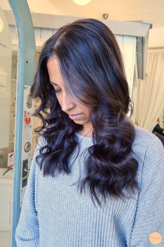 Kall brun hårfärg med mjuka skiftningar
