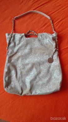 Predam original zlatu kabelku Guess by Marciano. Vzata 5x. TOP STAV.  Brusena koza. PC vysoka  a2345108bf1