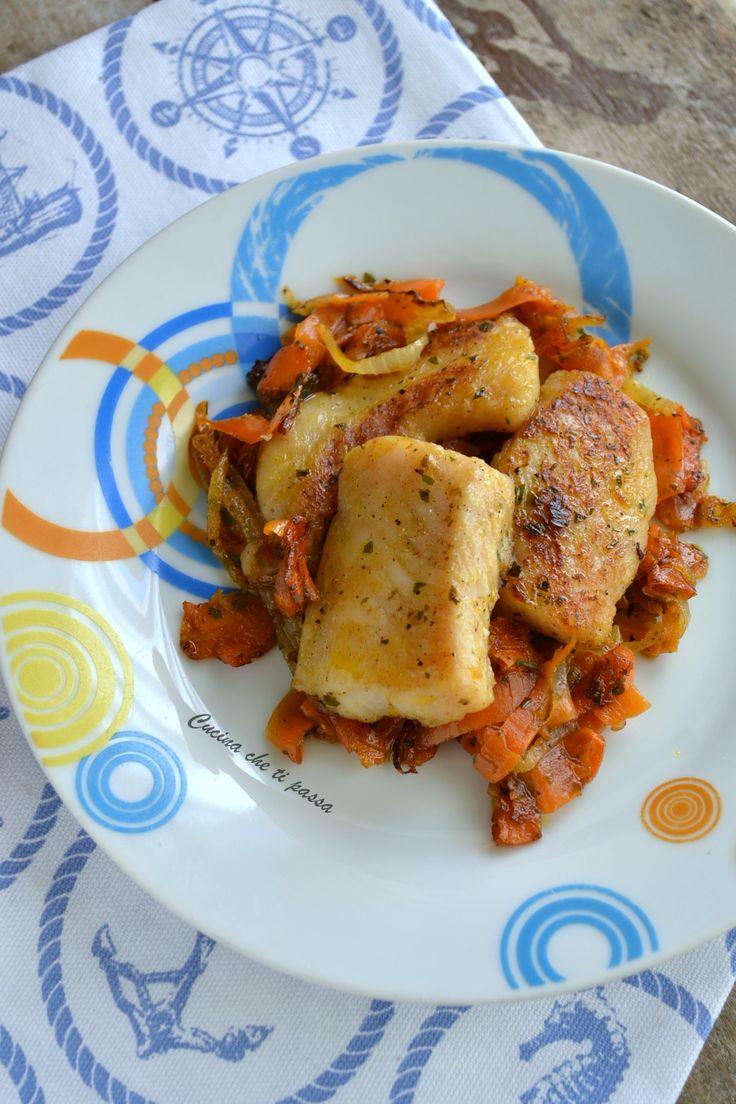 Pesce in agrodolce, deliziosi filetti di pesce preparati secondo una ricetta siciliana ma dal sapore anche orientale. Un connubio perfetto!