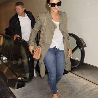 海外セレブニュース&ファッションスナップ: 【デミ・ロヴァート】LA空港でシックなデニムスタイルのデミをキャッチ!