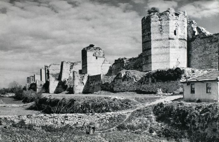 Istanbul city walls, turn of the century