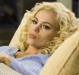 """Lifetime's """"Anna Nicole"""" has a surprisingly strong pedigree but that doesn't help the story overcome typical TV movie conventions."""