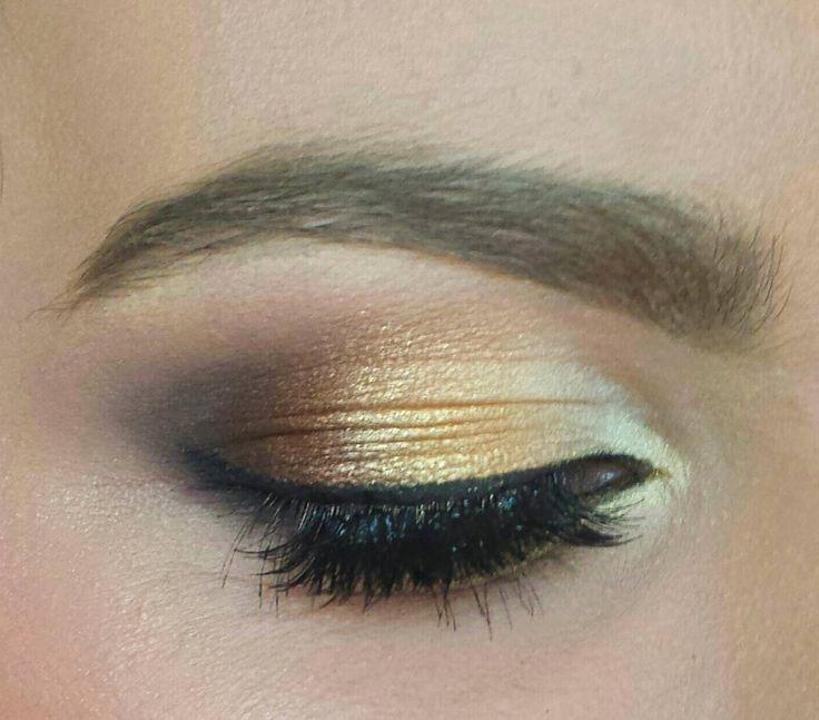 #gold #bridalmakeup #makeup https://www.facebook.com/magic.makeup.by.ac/