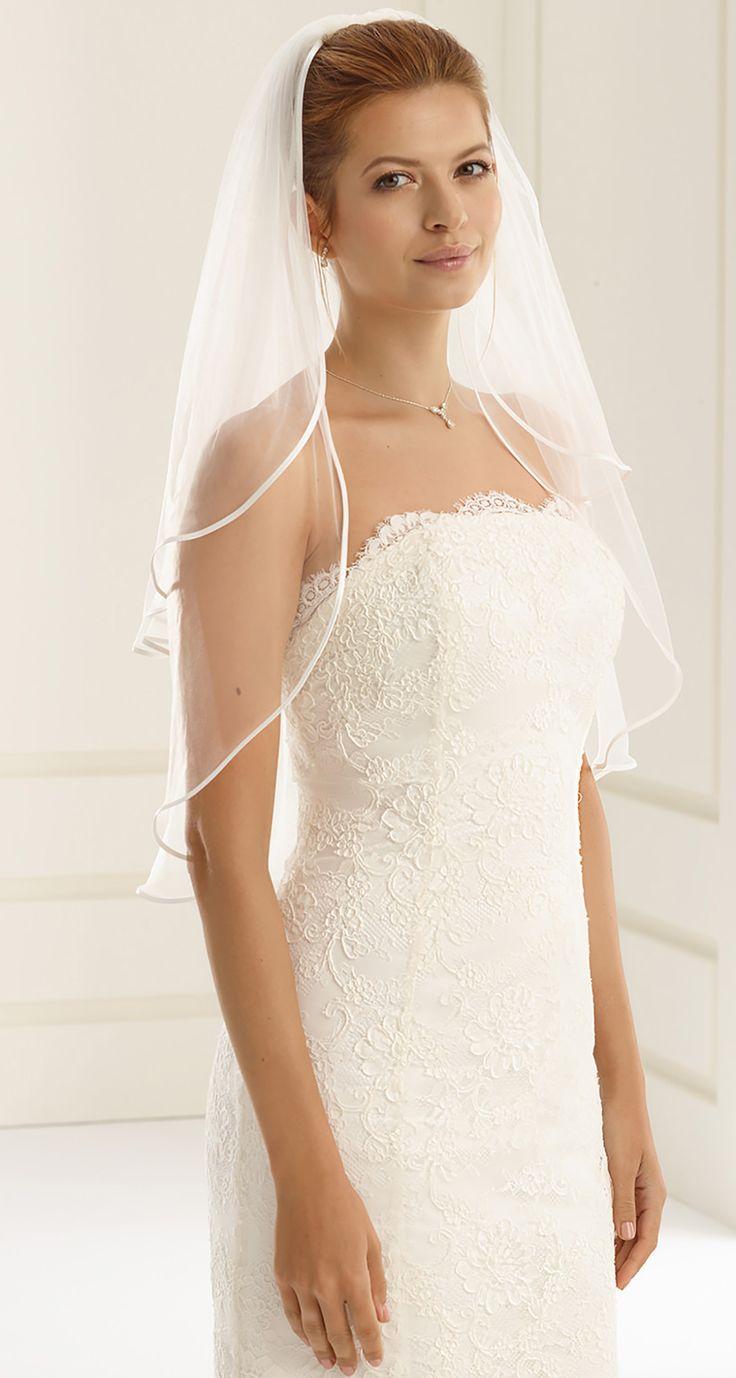 Beautiful veil S20 from Bianco Evento #biancoevento #veil #weddingdress #weddingideas #bridetobe