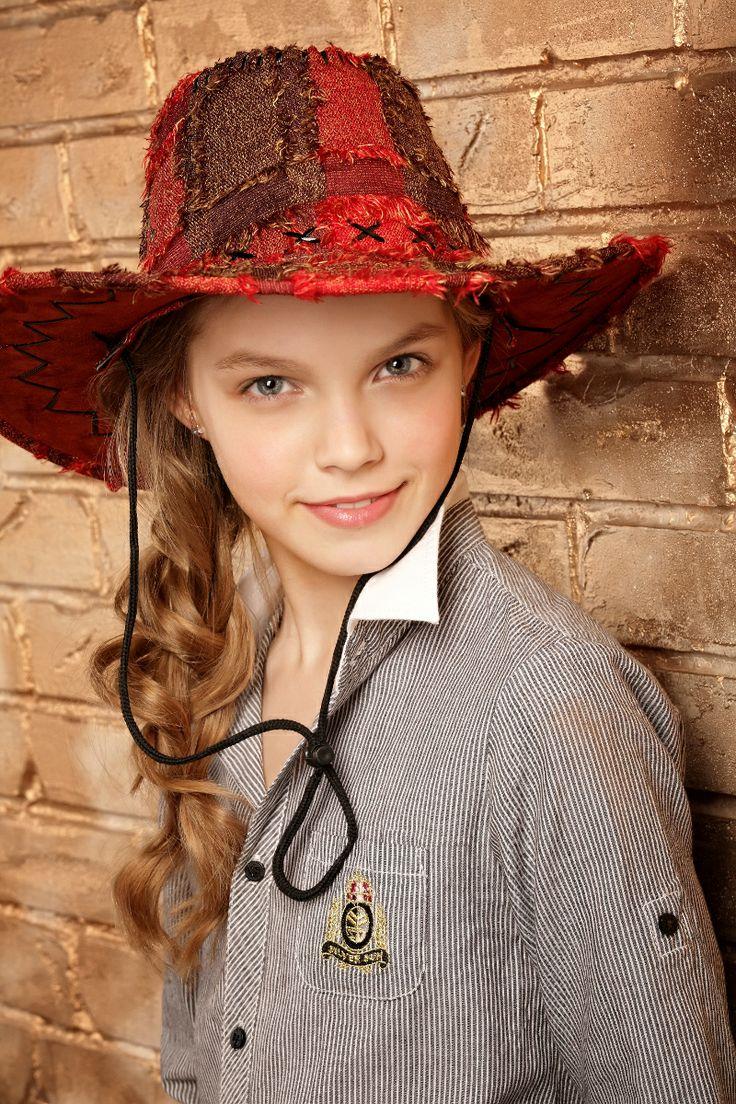 Техасская Красная Шапочка - Little Red Riding Hood фотограф: Андрей Кизин модель: Алина стилист: Наталья Фонарева