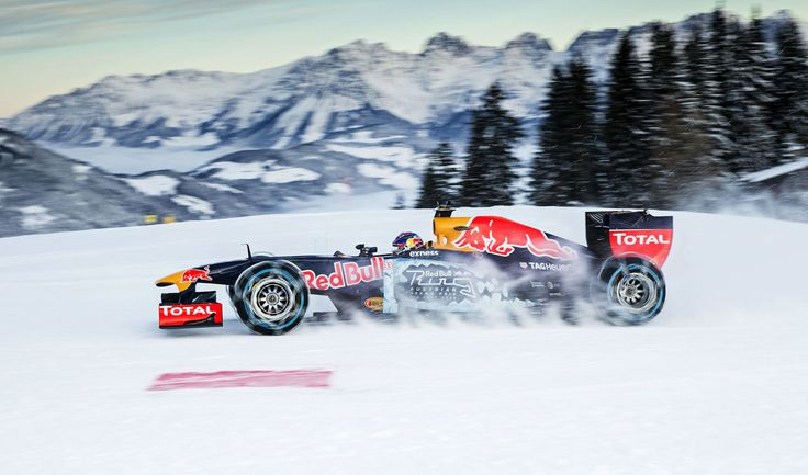 GALERIE: Tomu neuvěříte: Formule 1 se nebojí sněhu, řádí na sjezdovce v Alpách (videa) | FOTO 33 | auto.cz