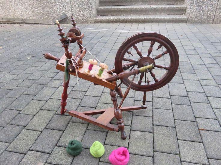 Massivholz Spinnrad Kirschbaum voll funktionsfähig, Initialen C. Schmidt 1870 in Antiquitäten & Kunst, Alte Berufe, Spinner | eBay!